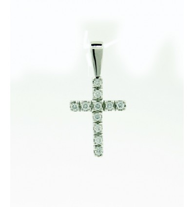 Cruz de oro blanco con diamantes